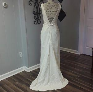 Isaac Mizrahi》French Cream Raschel Lace Gown